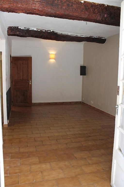 cuers-appartement-t2-d-une-superficie-de-42m2