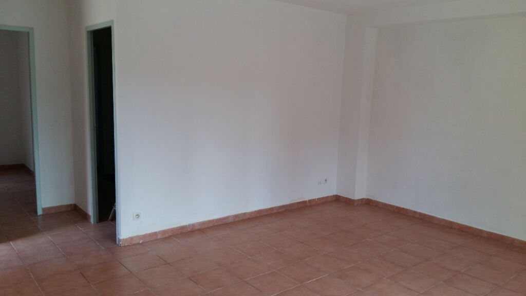 appartement-type-3-situe-a-brignoles