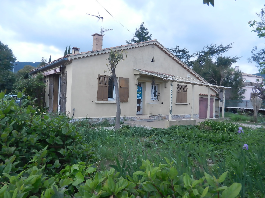 A vendre maison sollies pont 92 m l 39 adresse solli s pont for Location garage sollies pont