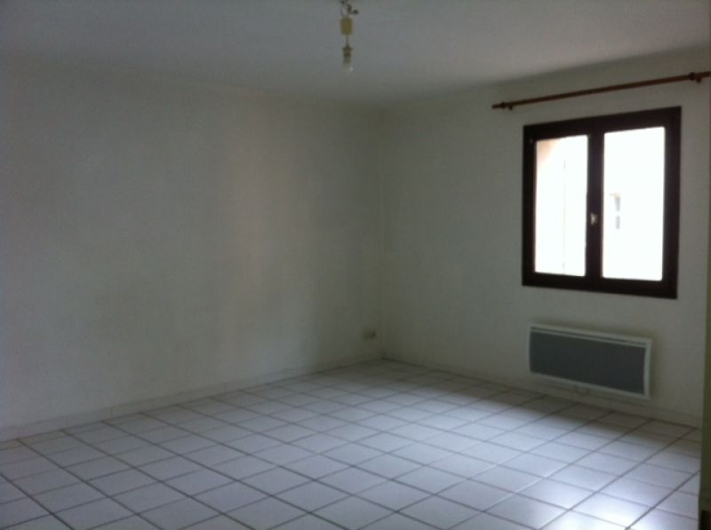 appartement-brignoles-3-piece-s-70-m2